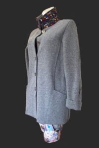 Shopping and walking , loose fit jacket with big pockets. Additional pocket in sleeve