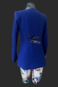 Back belt detail on saphire blue 3/4 highlander